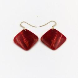Boucles d'oreilles en bois de bouleau de carélie teinté rouge